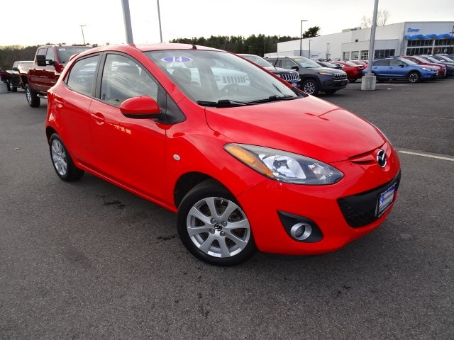 Pre-Owned 2014 Mazda2 Touring